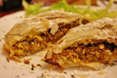 Pastela marroquí en el restaurante árabe El Califa