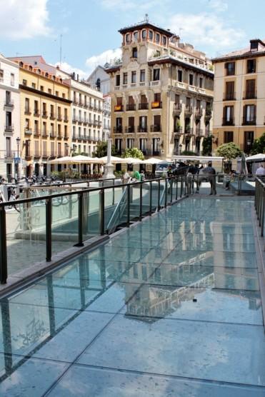 Silos y pozos islámicos visibles en Plaza de Ramales de Madrid